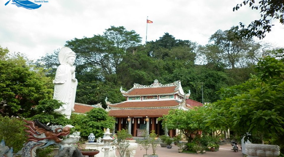 Scenery Of Non Nuoc Mountain And Pagoda