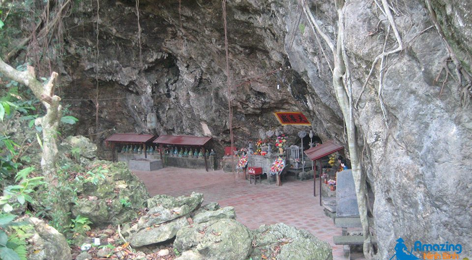 Thien Ton Cave and Pagoda - Amazing Ninh Binh